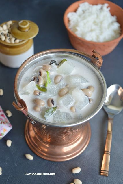 Kerala olan Recipe | Ashgourd and black eyed Peas cooked in coconut milk | Onam Sadhya Recipes