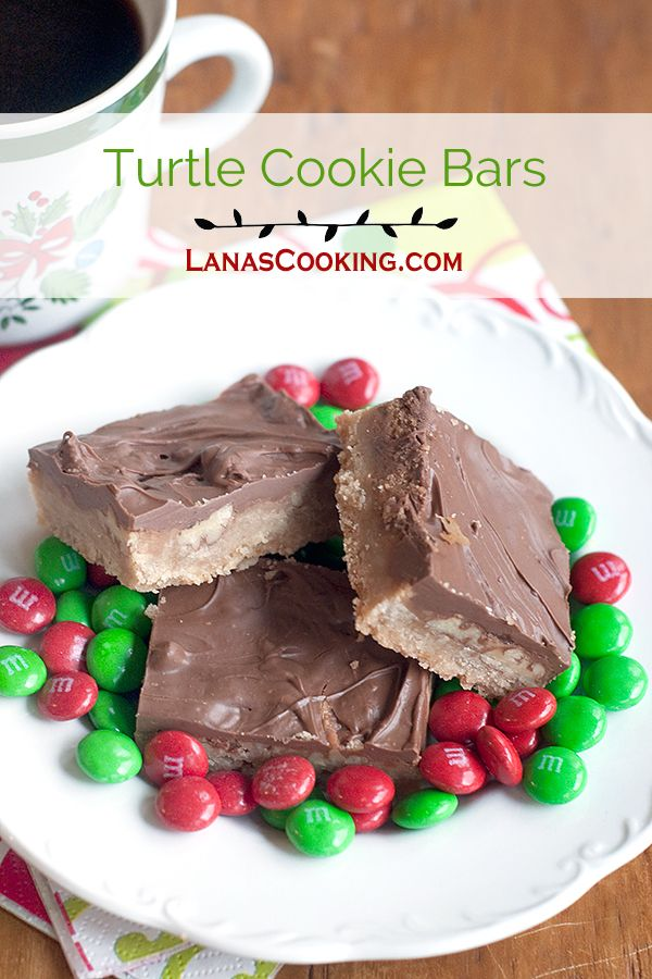 Just like the famous candies, these Turtle Cookie Bars are full of pecans, caramel, and milk chocolate over a rich, buttery shortbread base. From @NevrEnoughThyme http://www.lanascooking.com/turtle-cookie-bars