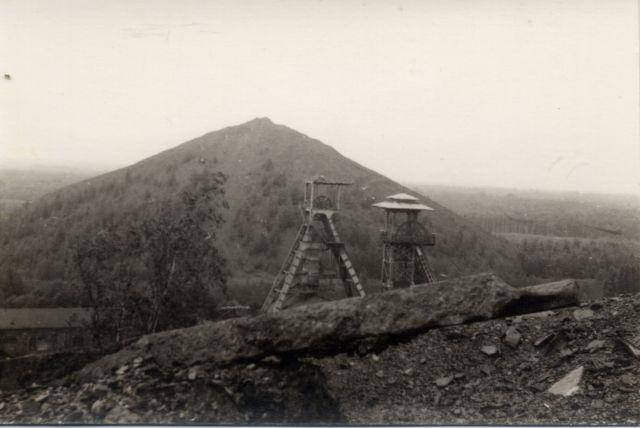 Fosse Sabatier de la Compagnie des mines d'Anzin à Raismes, Nord-Pas-de-Calais, France. Entre 1975 et 1980. Sabatier pit the Company Anzin mines Raismes, Nord-Pas-de-Calais, France. Between 1975 and 1980