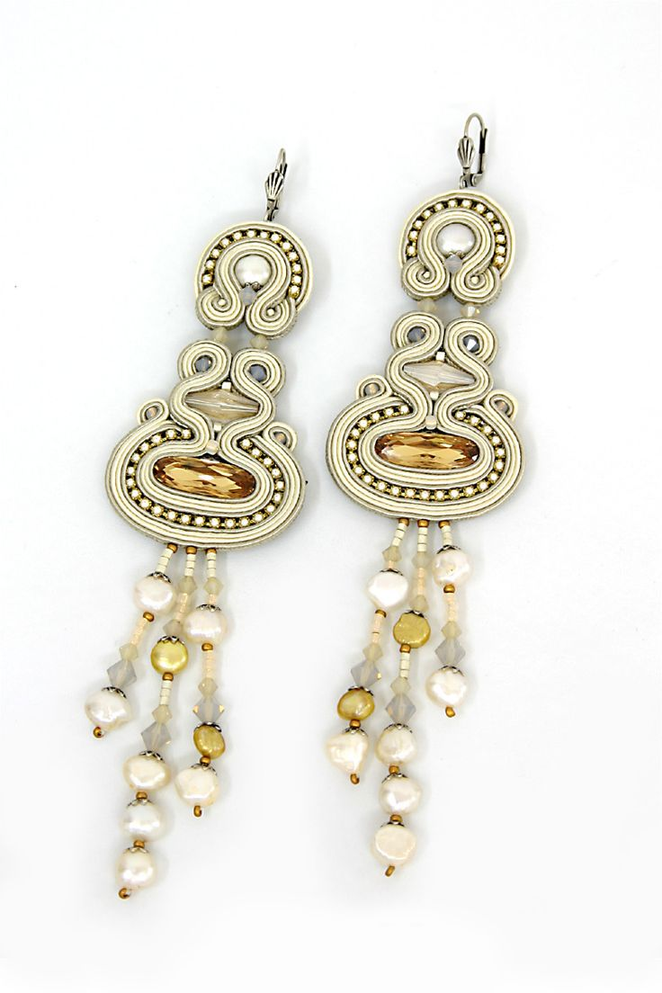 earrings : White Town