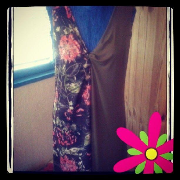 Vestito assimetrico in maglina di viscosa, CAPO UNICO taglia unica adatta per per tutti i giorni :)