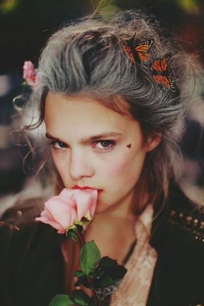 //: Grey Hair, Rose, Hair Flowers, Heart, Butterflies, Beautiful Mark, Flowers Girls, Big Hair, Mary Antoinette