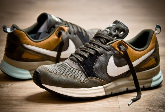 Fashion Men's Shoes. NIKE Sneakers. #menfashion #menshoes [http://www.pinterest.com/alfredchong/]