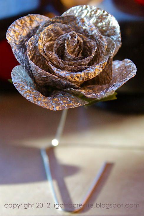 love this aluminum foil rose diy from i gotta create