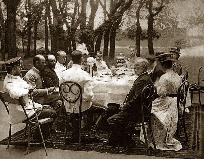 "Grand Duchess Elisabeth Feodorovna Romanova of Russia  and Grand Duke Sergei Alexandrovich Romanov of Russia having a lunch with friends.   ""AL"""