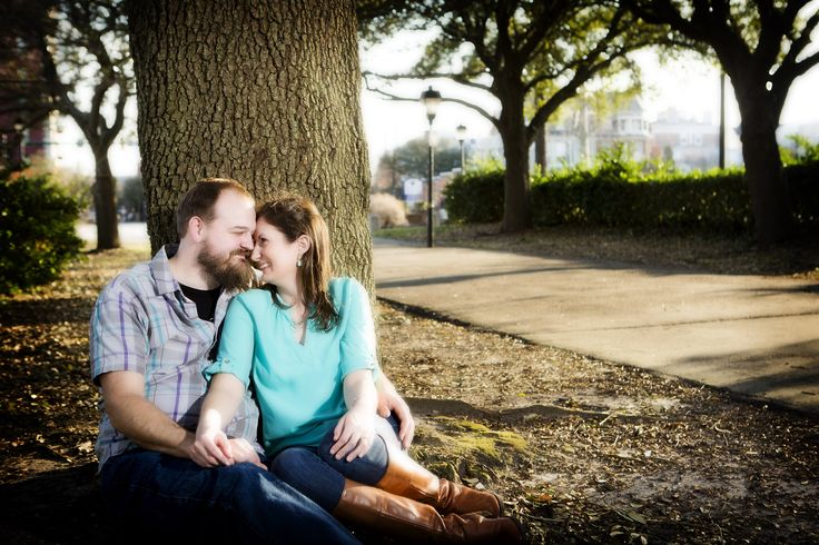 Norfolk engagement portrait by the Chrysler Museum by Norfolk photographer Heather Hughes Photography.
