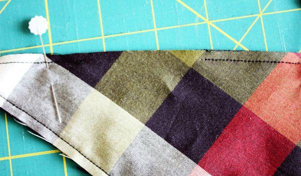 como coser un pañuelo babero en tela