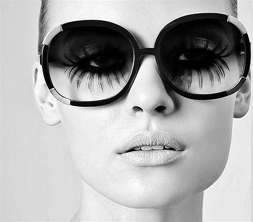 You know the lashes are serious when you can see them THROUGH the shades.  Fabulous!: Shades, Fashion, Style, Eyelashes, Makeup, Beautiful, Big Sunglasses, Black White, Long Lashes