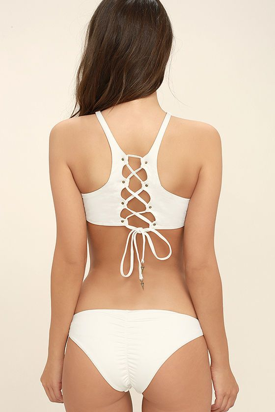 The Dolce Vita Solid Cream Bikini Bottom will always pair perfectly with your favorite tops! Sleek cream knit shapes this classic bikini bottom with ruched back, and cheeky cut. PLEASE NOTE: Swimwear returned without the hygienic liner is non-refundable.