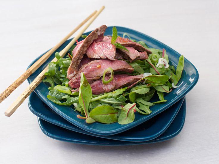 Asiatisk salat med entrecôte