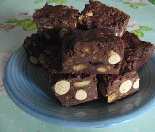 Fridge cake and Cakes on Pinterest