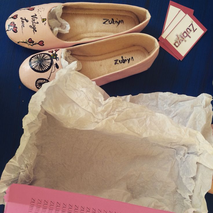 Packing , handcrafted and handpainted shoes by Zubiya