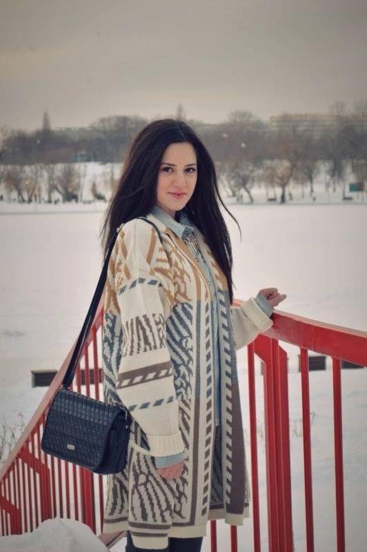 winter. bucharest. indie print sweater. jeans shirt . vintage shoulder bag