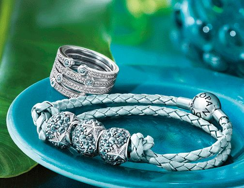 It's an exciting start to the month for Pandora collectors, as today sees the launch of both the Pandora Summer 2016 collection and the limited edition Pandora Club charm for 2016! The Summer collection features two main themes,Oriental BloomandHoliday Fun,offering a mix of exotic deep reds and sparkly oceanic teals and blues. As usual, I'm …Read more...