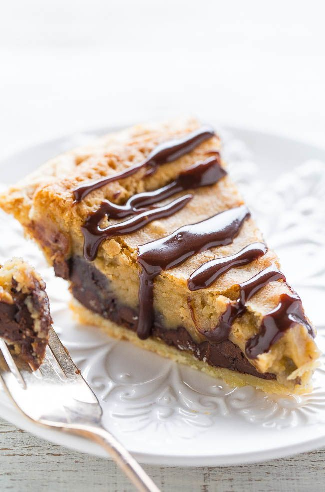 Chocolate Chip Cookie Pie - The filling tastes like the center of an underbaked chocolate chip COOKIE!