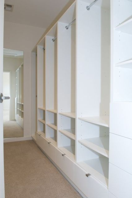 Top 10 Tips for planning your Walk In Robe / Closet Seems sensible with the bottom drawers