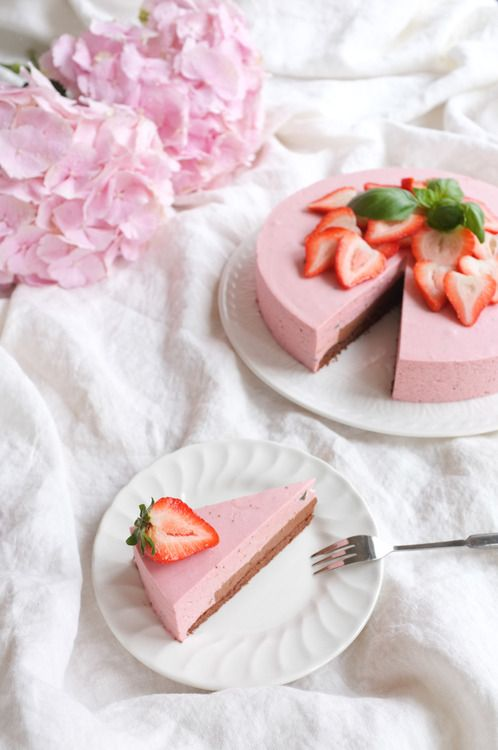 Strawberry and basil mousse cake with a heart of chocolate. And those lovely pillows of hydrangea!