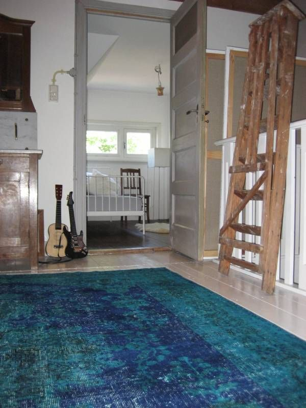 From Turkey with Love, recoloured tapijten