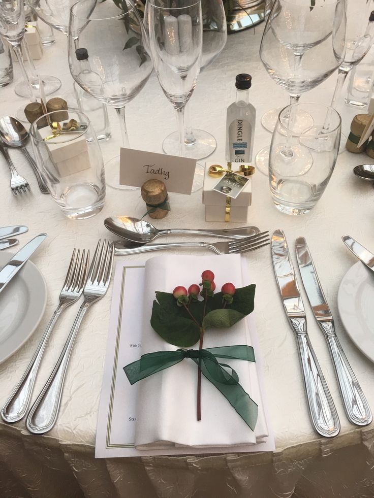 Festive table decor at a December Wedding in Tankardstown House.