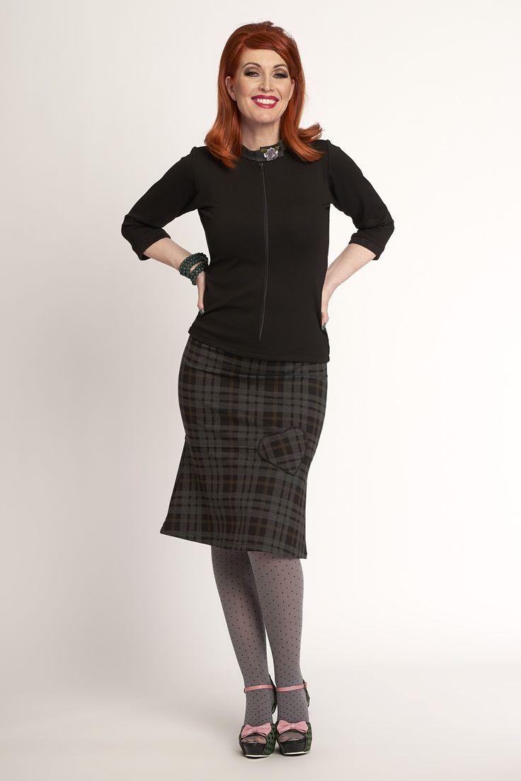 Honey Blouse bl-3075 Moore Skirt ski-431 Tights: Black Freckles tig-pr-2048