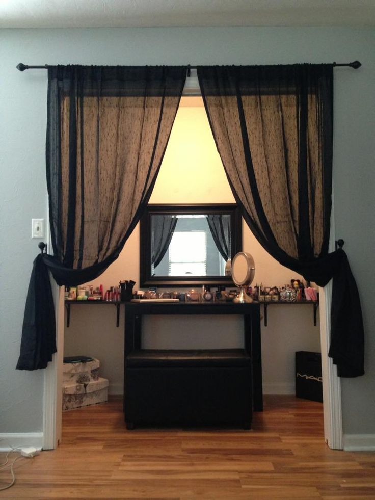 Makeup Station. Need It! I Will Have This