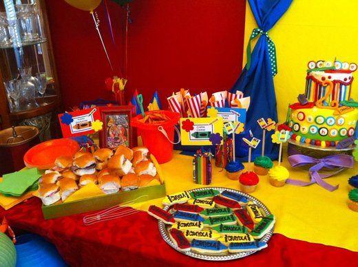 I'm loving the crayola birthday idea!!! I think this will be Alexandra's bday theme
