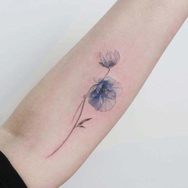 21 Trendy Poppy Tattoo Ideas For Women Unique Blue Poppy Flower Tattoo Tattooart Tattoodesign Tatto Poppy Flower Tattoo Blue Flower Tattoos Poppies Tattoo
