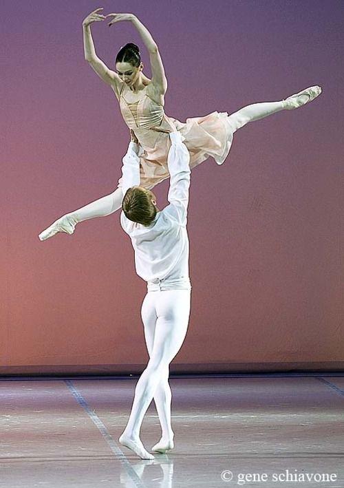 balletish: Olesya Novikova and Leonid Sarafanov dancing Tchaikovsky Pas de Deux