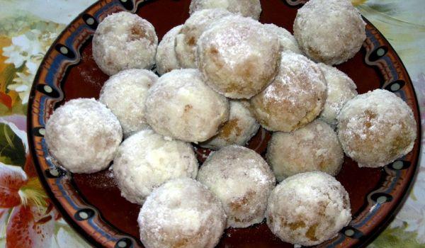 Арменски сладки с орехи и локум - Рецепта за Арменски сладки с орехи и локум