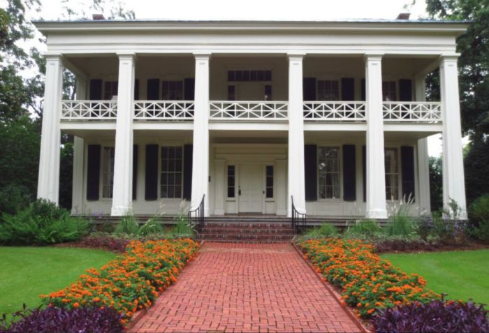 "The Arlington Antebellum Home, originally called ""The Grove,"" was built between the years 1845-50, which makes it Birmingham's oldest antebellum home. On December 2, 1970, it was added to the National Register of Historic Places."