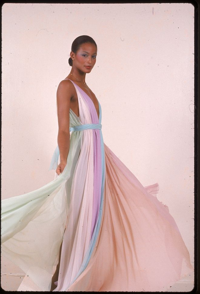 Beverly Johnson in Halston,1970s ---- An amazing woman : the 1st black model to appear on the cover of American Vogue in August 1974. and the 1st black woman to appear on the cover of the French edition of Elle.  http://en.wikipedia.org/wiki/Beverly_Johnson