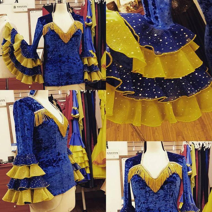 """좋아요 15개, 댓글 1개 - Instagram의 Jaeyoung Yang(@yang.jaeyoung)님: """"YEDO Costume Design. 맘마미아 도나의상. 뮤지컬의상. 디자인 및 제작. #맘마미아 #뮤지컬 #무대의상 #벨벳 #CostumeDesignaWorkroom…"""""""