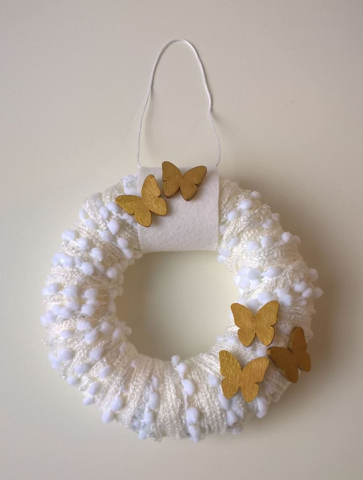 Gold-white door wreath
