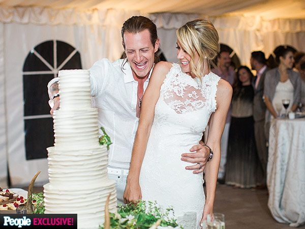 EXCLUSIVE: See Florida Georgia Line's Tyler Hubbard and Hayley Stommel's Dream Wedding Cake http://greatideas.people.com/2015/07/08/florida-georgia-line-tyler-hubbard-hayley-stommel-wedding-cake/