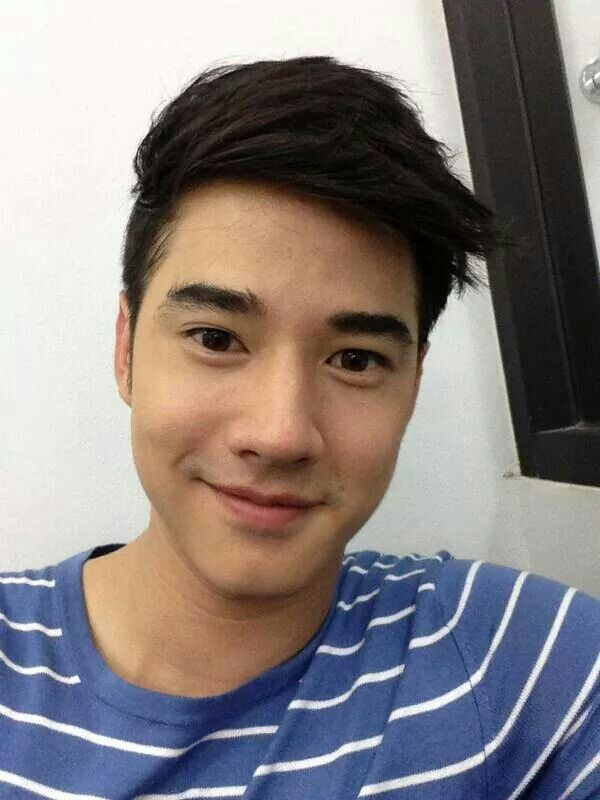 Selfie image of Mario Maurer posted to the actor's public Twitter profile, Thailand, 2014, photograph by Mario Maurer.