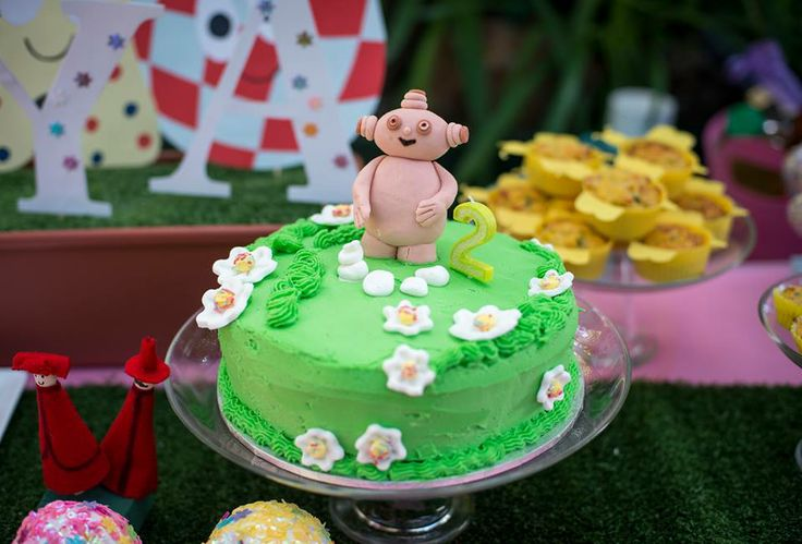 Makka pakka cake in the night garden party for In the night garden cakes designs
