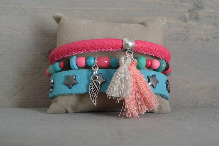http://trends2sparkle.nl/product/happy-wings/ armbanden #armbanden #leer #studs #ster #roze #turquoise #vleugel #engel #kralen