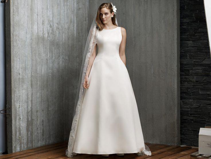 21 best wedding ideas images on pinterest bridal dresses wedding dress and wedding dressses. Black Bedroom Furniture Sets. Home Design Ideas