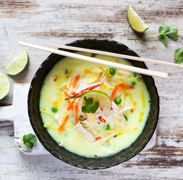 Kuřecí polévka po thajsku