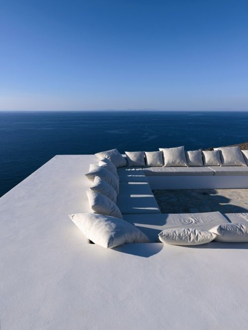 Lounge area, roof deck overlooking the sea in the Greek island of Antiparos photo Mads Mogensen