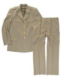 Italiaans uniform met broek - lichtbruin GRP € 29,95 Dit is een kwaliteits jas met bijbehorende broek van het Italiaanse leger. Het uniform is van de beste stof gemaakt en hij is opvallend luxe gevoerd.