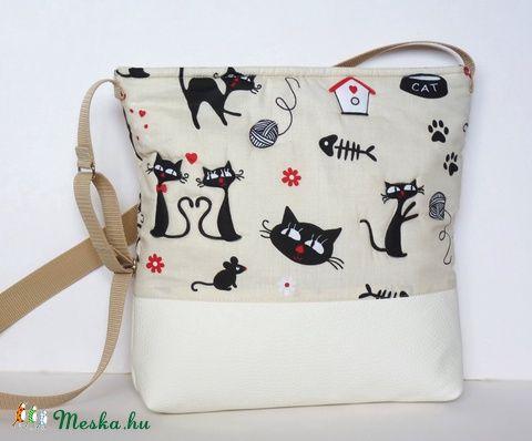 Meska - Fekete cicás válltáska textilbőrrel pannika kézművestől