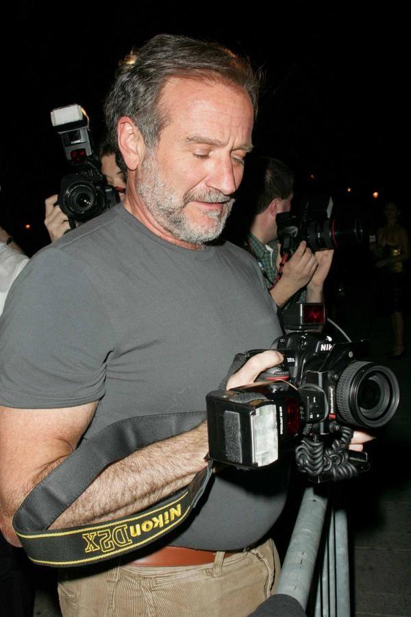 ROBIN WILLIAMS and a Nikon D2X