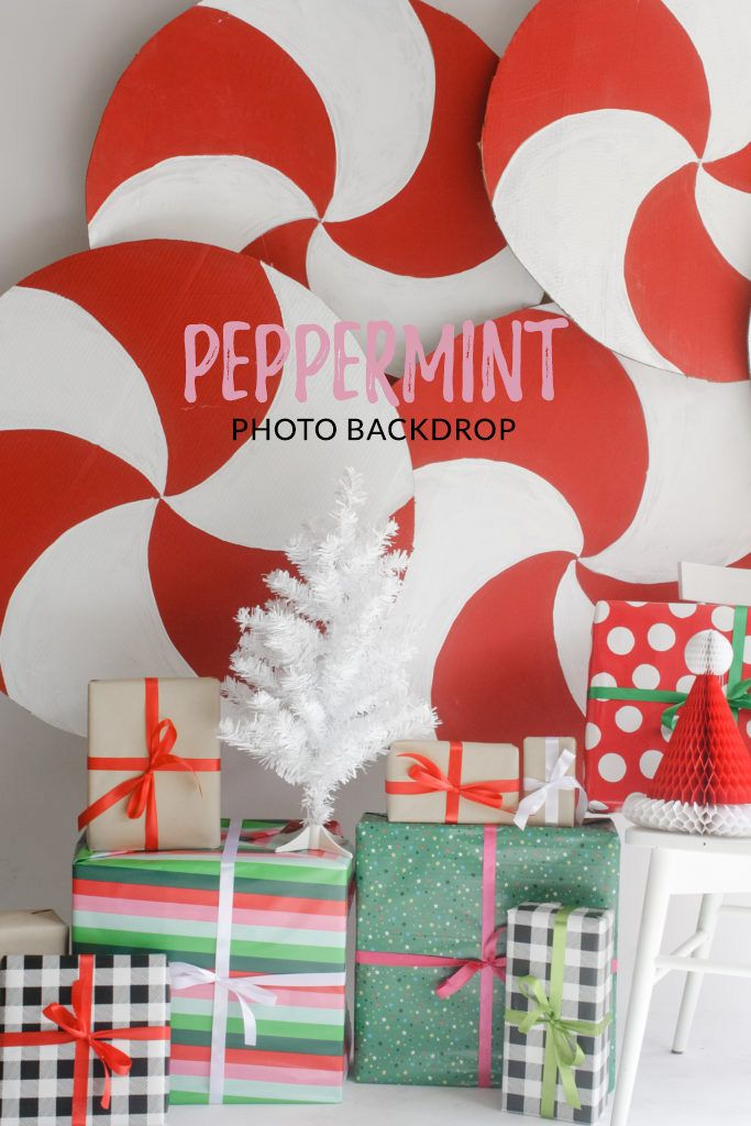Peppermint Photo Backdrop - Cute and easy Christmas photobooth backdrop idea! | Just Artifacts