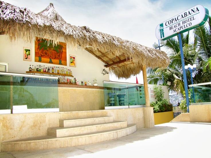 ** BAR KONTIKI **  Ubicado en el área de la alberca. Ofrece tequila, whisky, ron, vodka, ginebra así como deliciosos y refrescantes cocteles tropicales.  Abierto diariamente de 10:00 a 18:00 hrs.  Hora feliz de 13:00 a 14:00 hrs.  [En temporada baja se modifican los horarios]