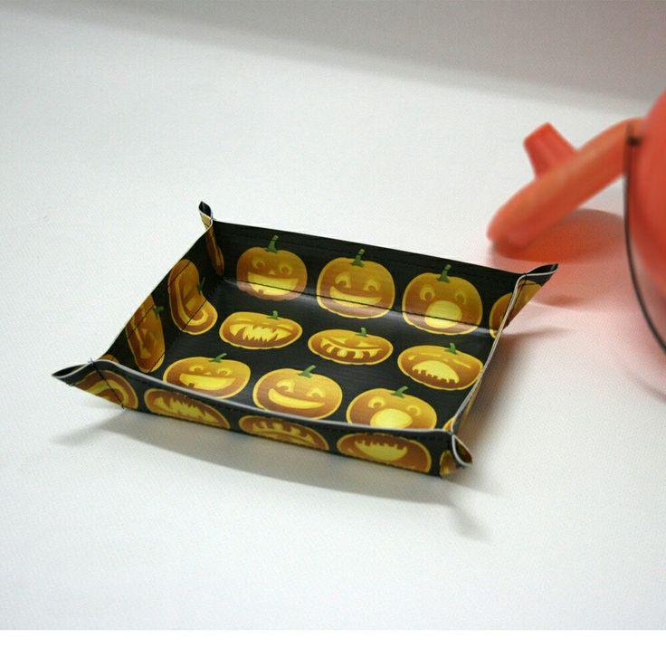 Halloween, bandejas para caramelos, con un gracioso estampado de calabazas. Pack 2 unidades #halloween #calabazas #caramelos #bandejas