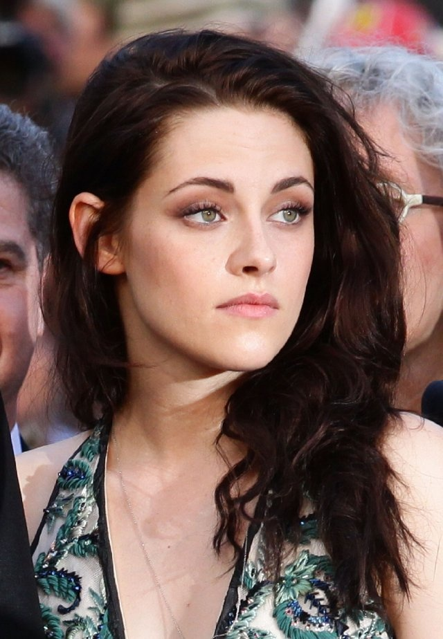 Kristen Stewart at event of On the Road, love her makeup