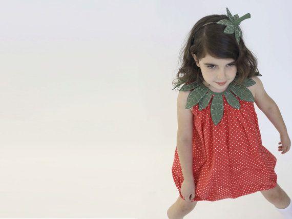 Kids strawberry costume Halloween costume door inbalcarmistudio
