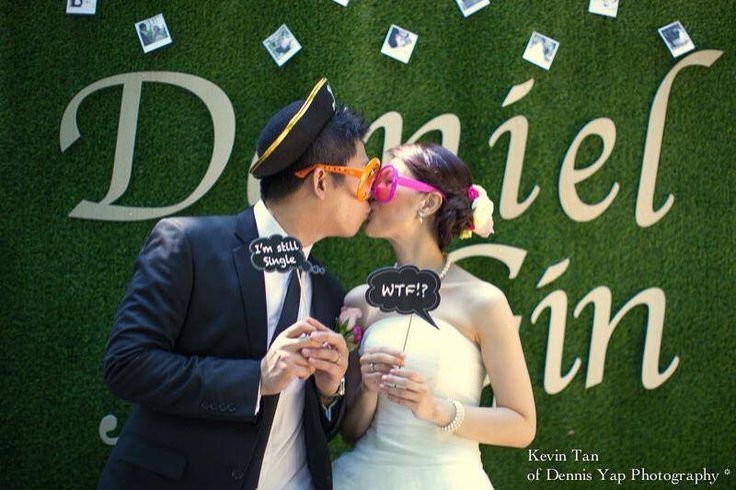 ROM By http://www.wedding.com.my/photobooth/favors-essence/rom/8819
