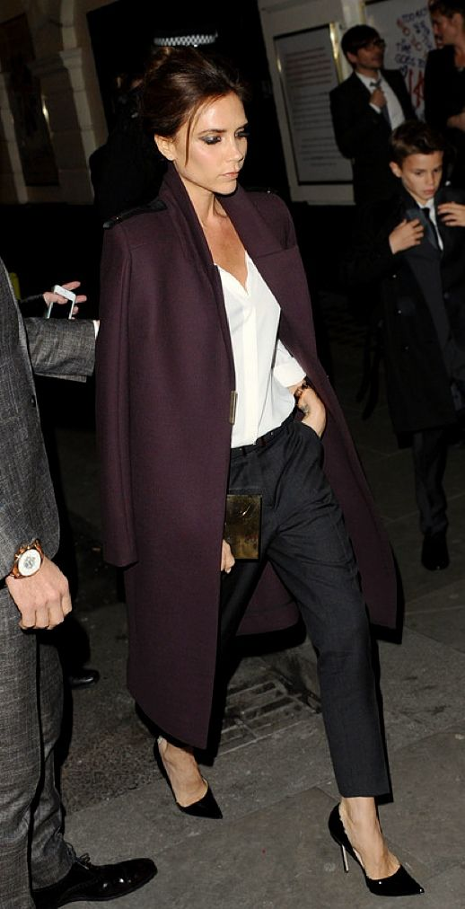 la modella mafia Victoria Beckham model off duty street style - red carpet chic in a burgundy coat and black pumps